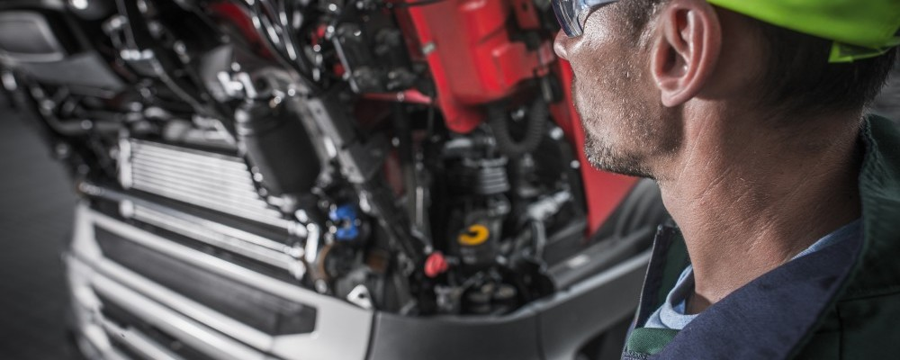 Semi Trucks Mechanic - Truck Maintenance